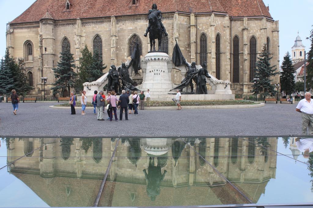 Mátyás király szoborcsoport