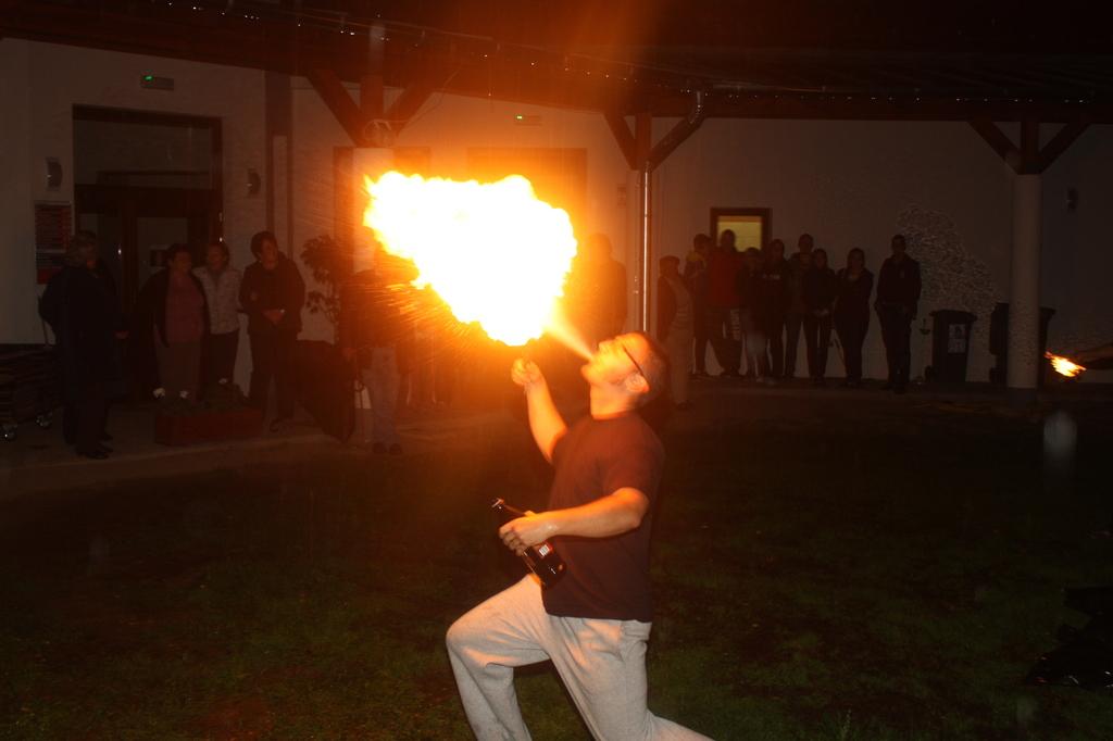 Tűzzyonglőr  4