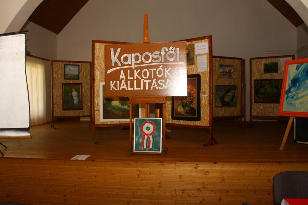 Kaposfői alkotók kiállítása