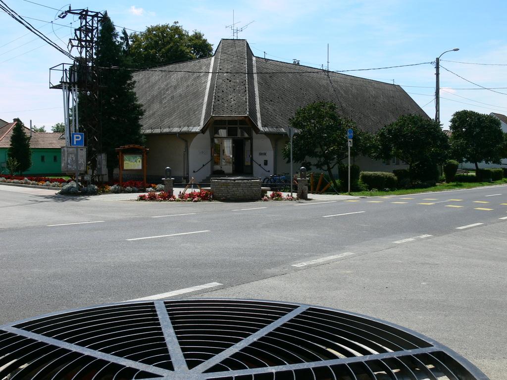 2011 augusztus főbejárat