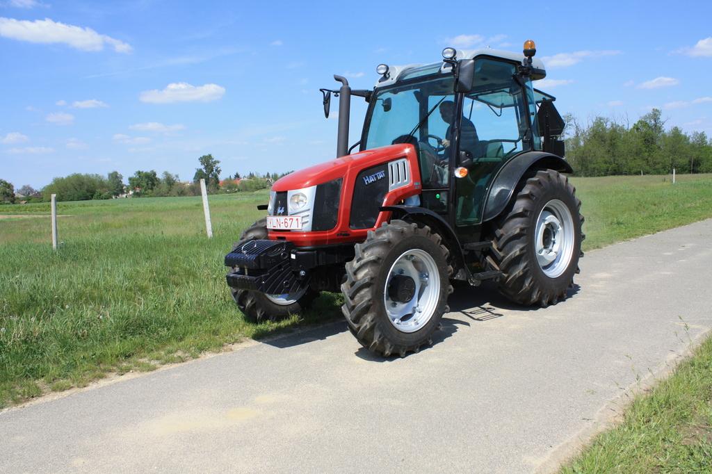 Hattat A70 traktor