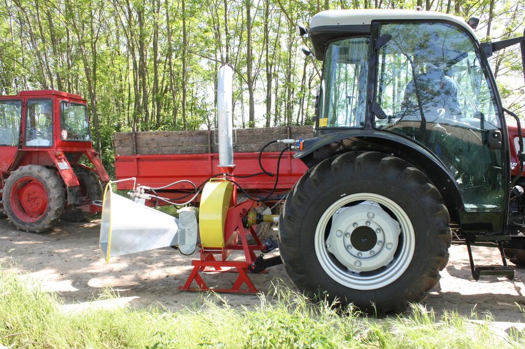 Aprítógép a traktoron